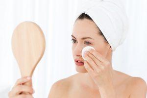 Makijaż do cery trądzikowej